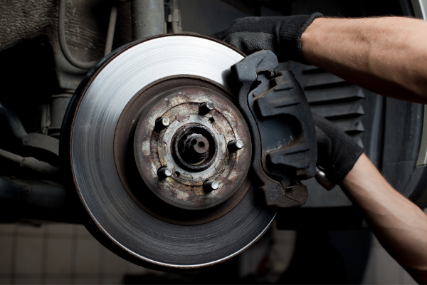 4 Signs That Your Brake Pads Need to Be Replaced